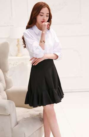 白色经典衬衫