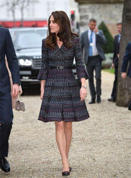 凯特王妃最新街拍,时尚性感尽显女人味