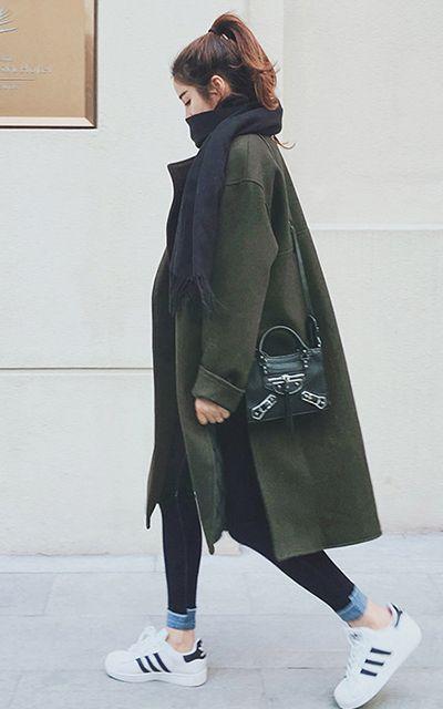 冬天大衣要怎么搭配 系上围巾更搭